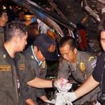 Thai-Bus-Crash_2625368b